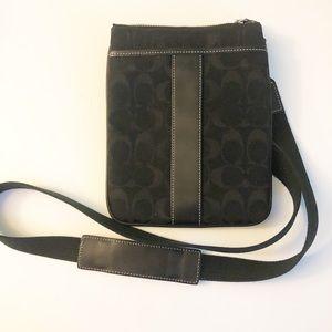 Coach Signature Crossbody Swingpack Black Bag